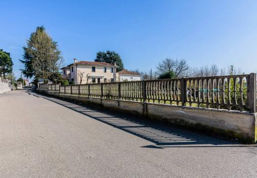 Vai alla scheda: Villa o villino Vendita Cardano al Campo