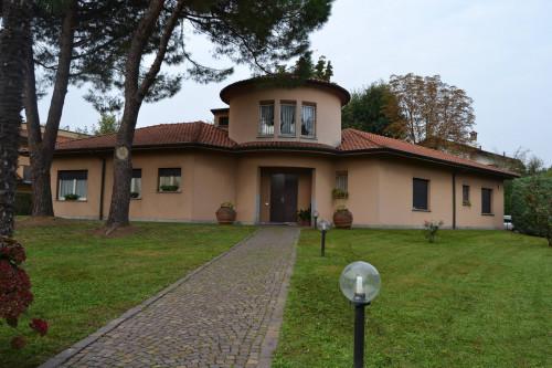 Vai alla scheda: Villa o villino Vendita Marcallo con Casone