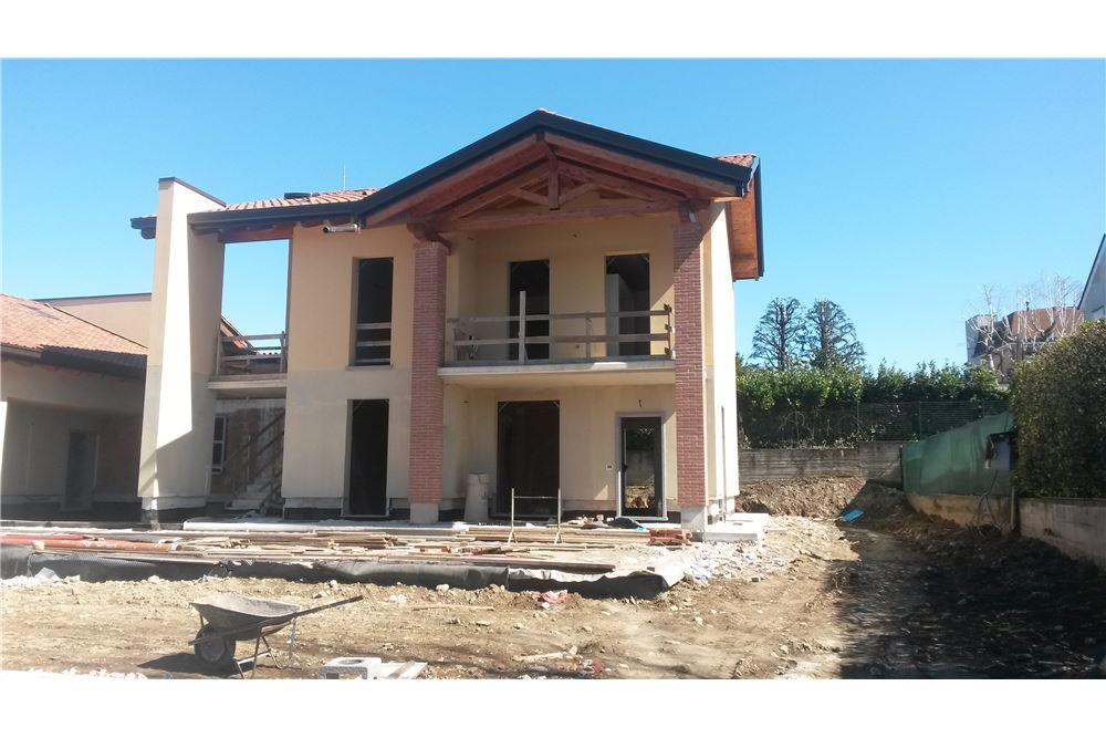 Appartamento in vendita a Besana in Brianza, 3 locali, prezzo € 265.000 | CambioCasa.it