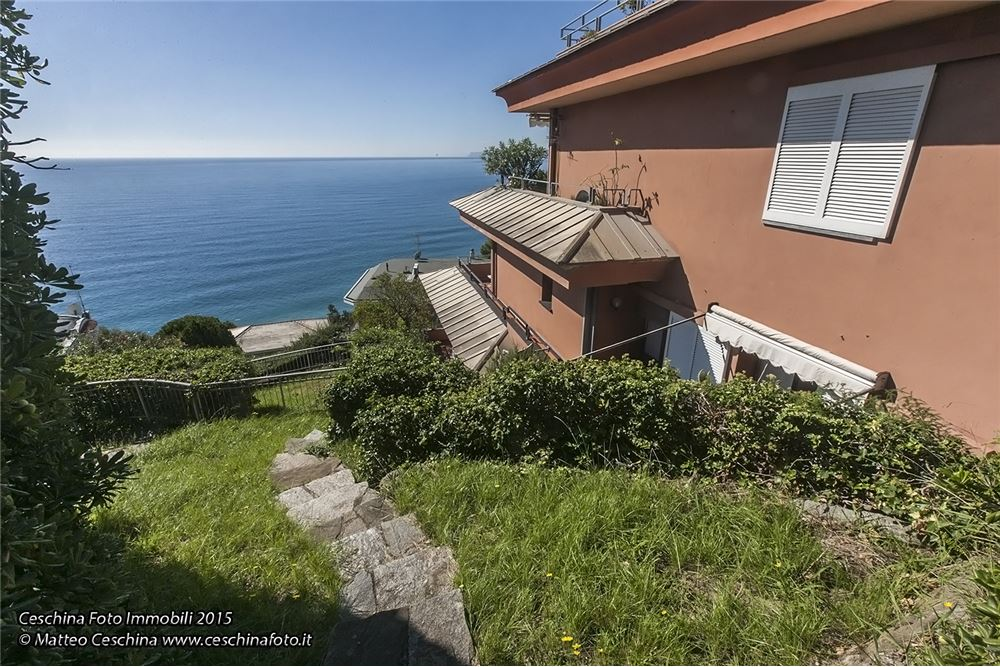 Appartamento in vendita a Arenzano, 8 locali, prezzo € 580.000 | CambioCasa.it
