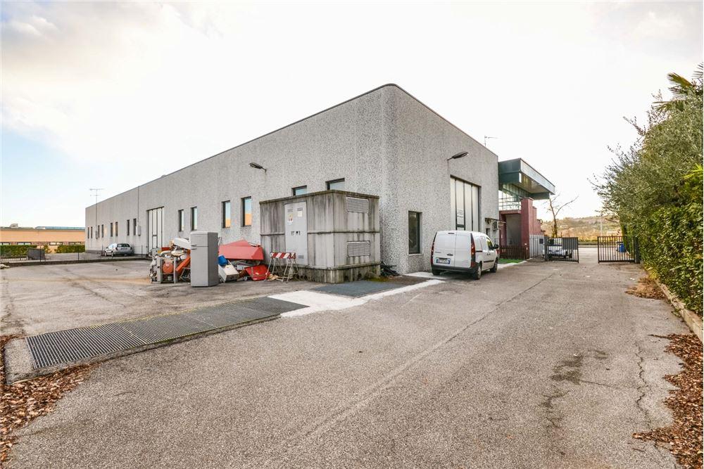 Vendita Capannone Commerciale/Industriale Manerba del Garda 251739