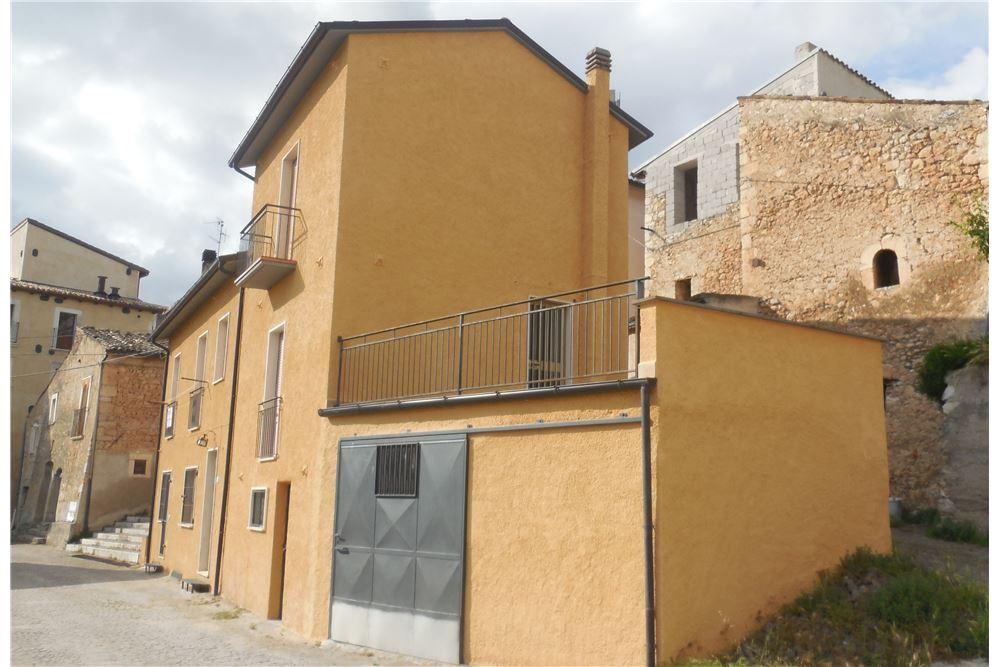 Soluzione Indipendente in vendita a San Pio delle Camere, 5 locali, prezzo € 79.000   CambioCasa.it