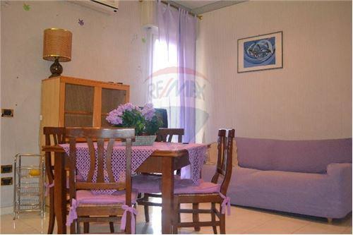 viareggio affitto quart: centro mare re-max-quality-house-2