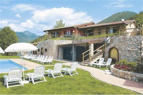 Appartamento in vendita a Tignale, 2 locali, prezzo € 125.000   PortaleAgenzieImmobiliari.it