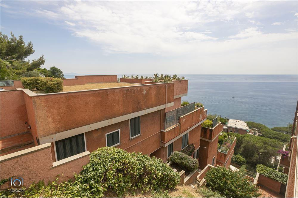 Appartamento in vendita a Arenzano, 6 locali, zona Località: PinetadiArenzano, prezzo € 399.000 | CambioCasa.it