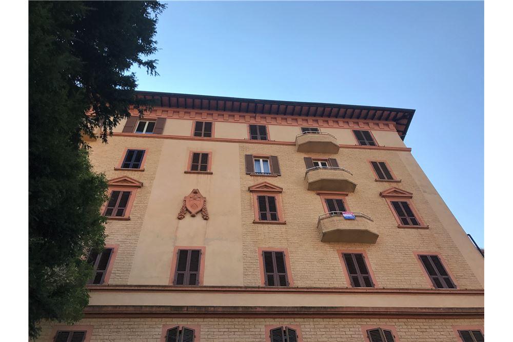 perugia affitto quart: centro storico re-max-famosa