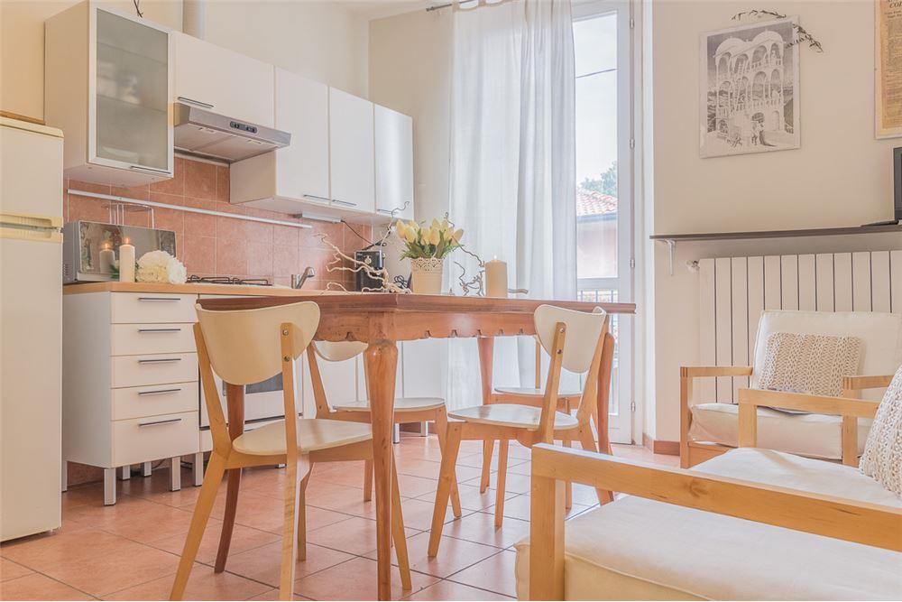 Appartamento in vendita a Inverigo, 2 locali, prezzo € 45.000   CambioCasa.it