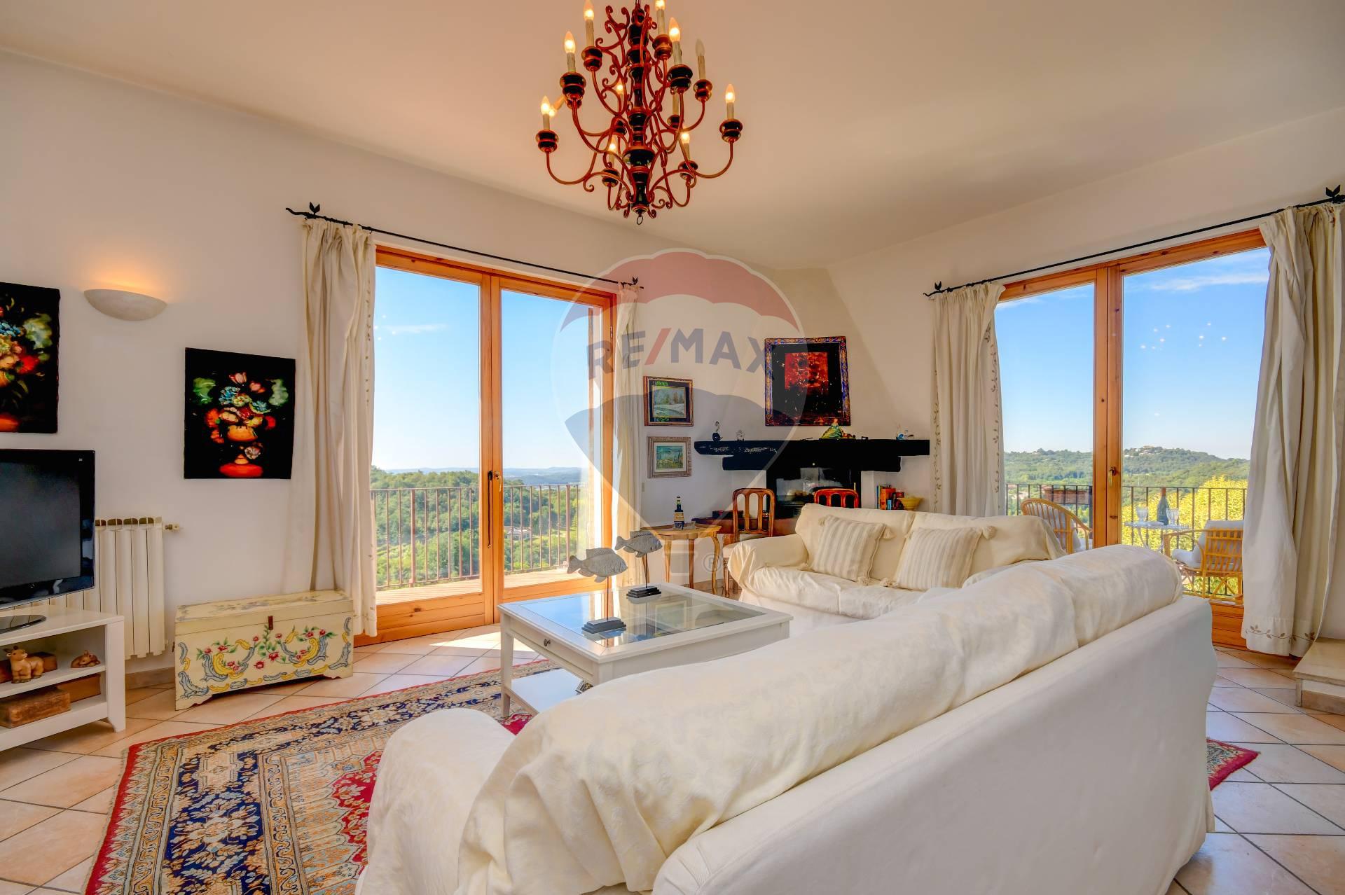 Appartamento in vendita a Soiano del Lago, 6 locali, prezzo € 275.000   CambioCasa.it
