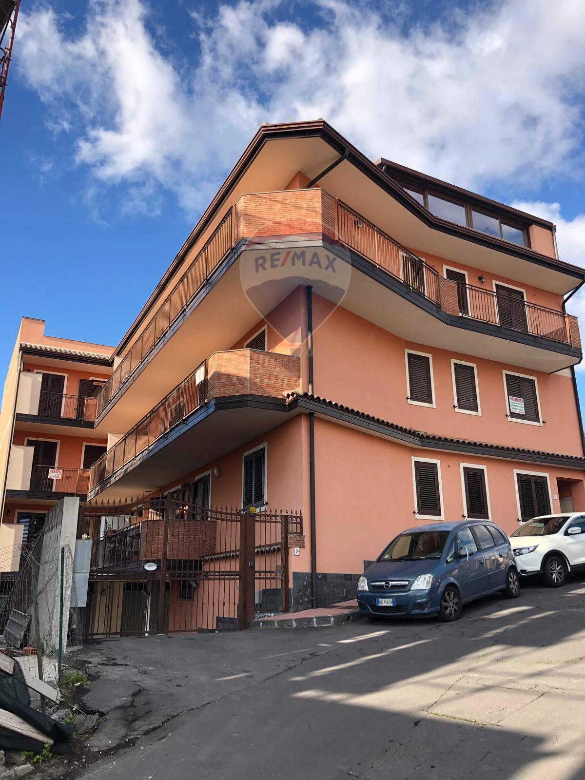 camporotondo etneo vendita quart:  re/max city home