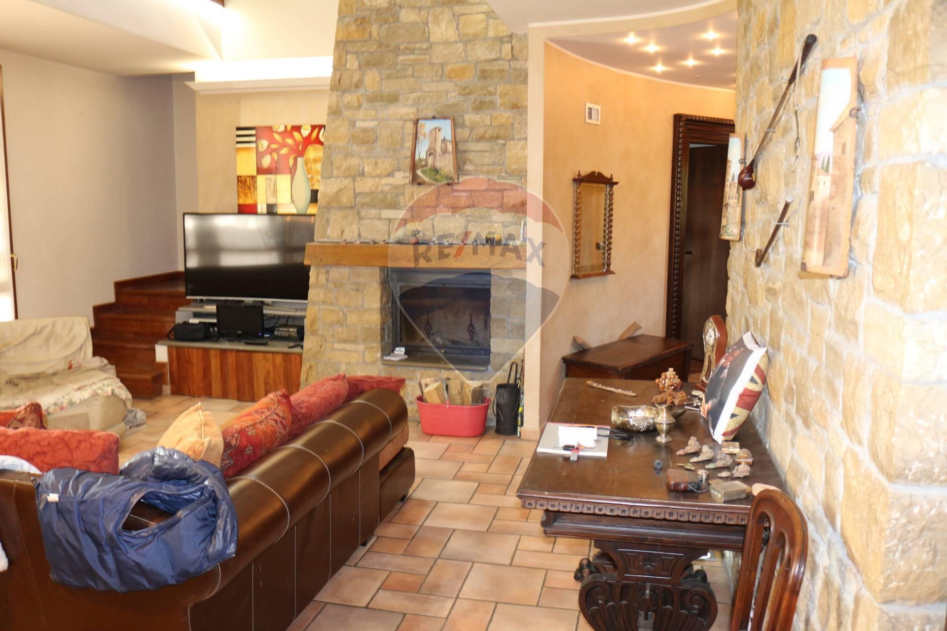 Villa in vendita Mondonico Barzanò