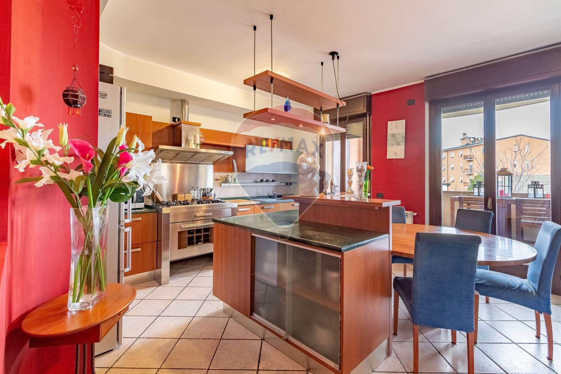 Appartamento in vendita via Salvatore Barbieri Brugherio