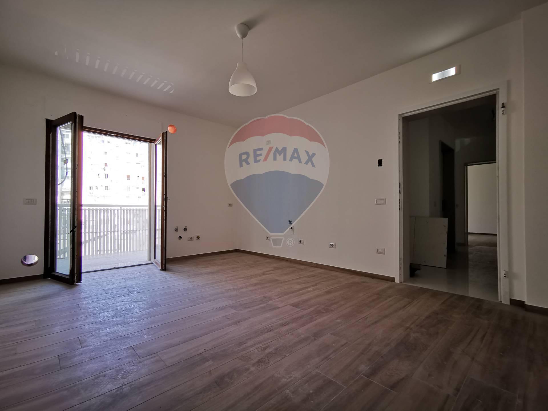 bari vendita quart: murat re/max acquachiara
