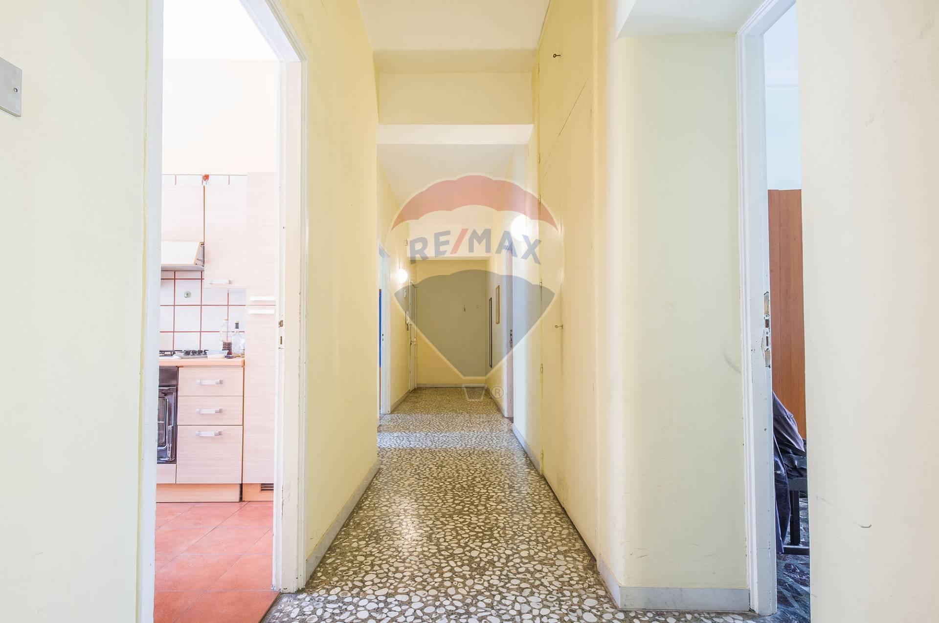 catania vendita quart: catania-italia,africa,jonio,europa,tribunale,xx se re-max-city-home