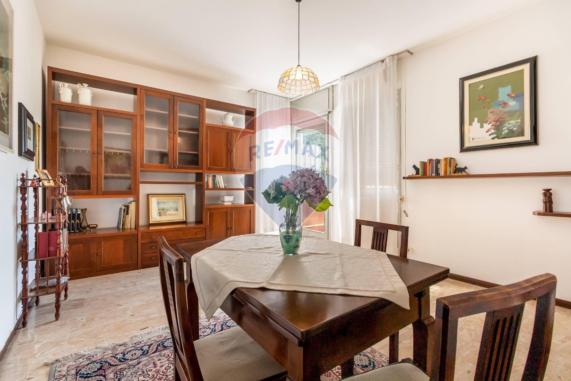 Appartamento in vendita via toscana Carugate