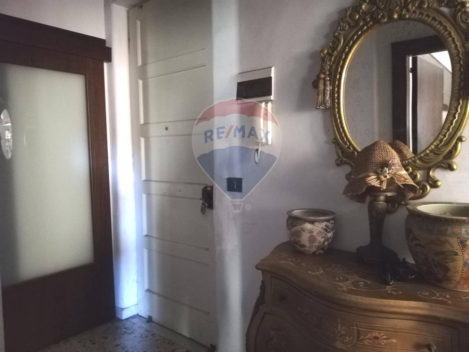 Salotto 69 Catania.Appartamento In Vendita Catania 34071022 69 Re Max