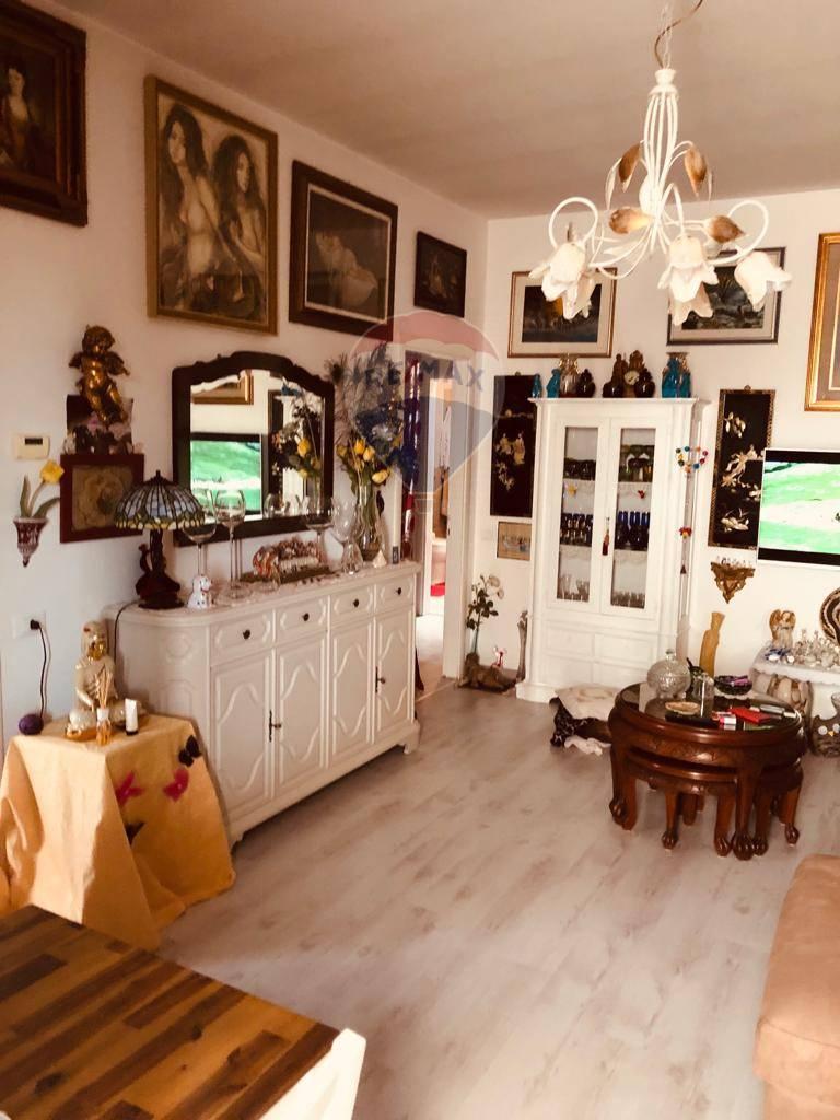 Appartamento in vendita a Manerba del Garda, 3 locali, zona Zona: Gardoncino, prezzo € 155.000 | CambioCasa.it