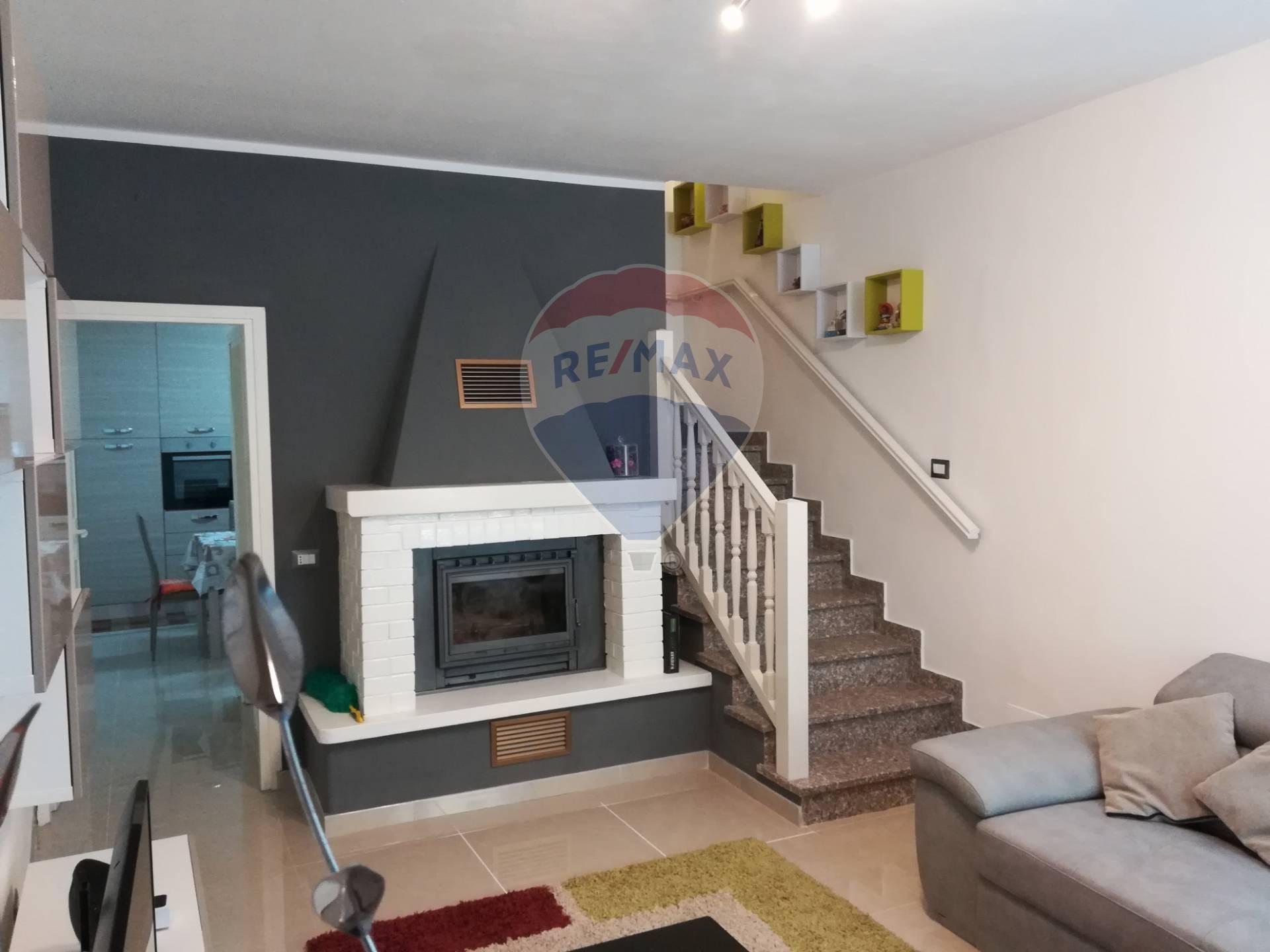 Appartamento in vendita Via Risorgimento Barzanò