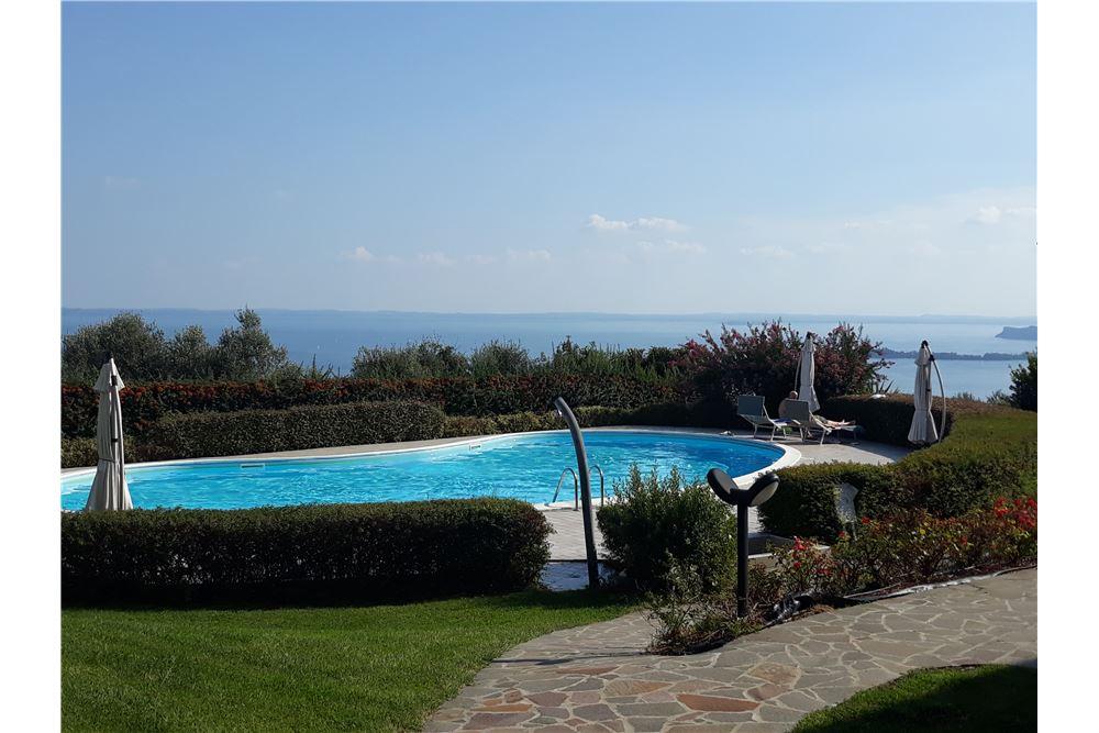 Appartamento in vendita a Toscolano-Maderno, 2 locali, zona Località: MonteMaderno, prezzo € 238.000 | CambioCasa.it