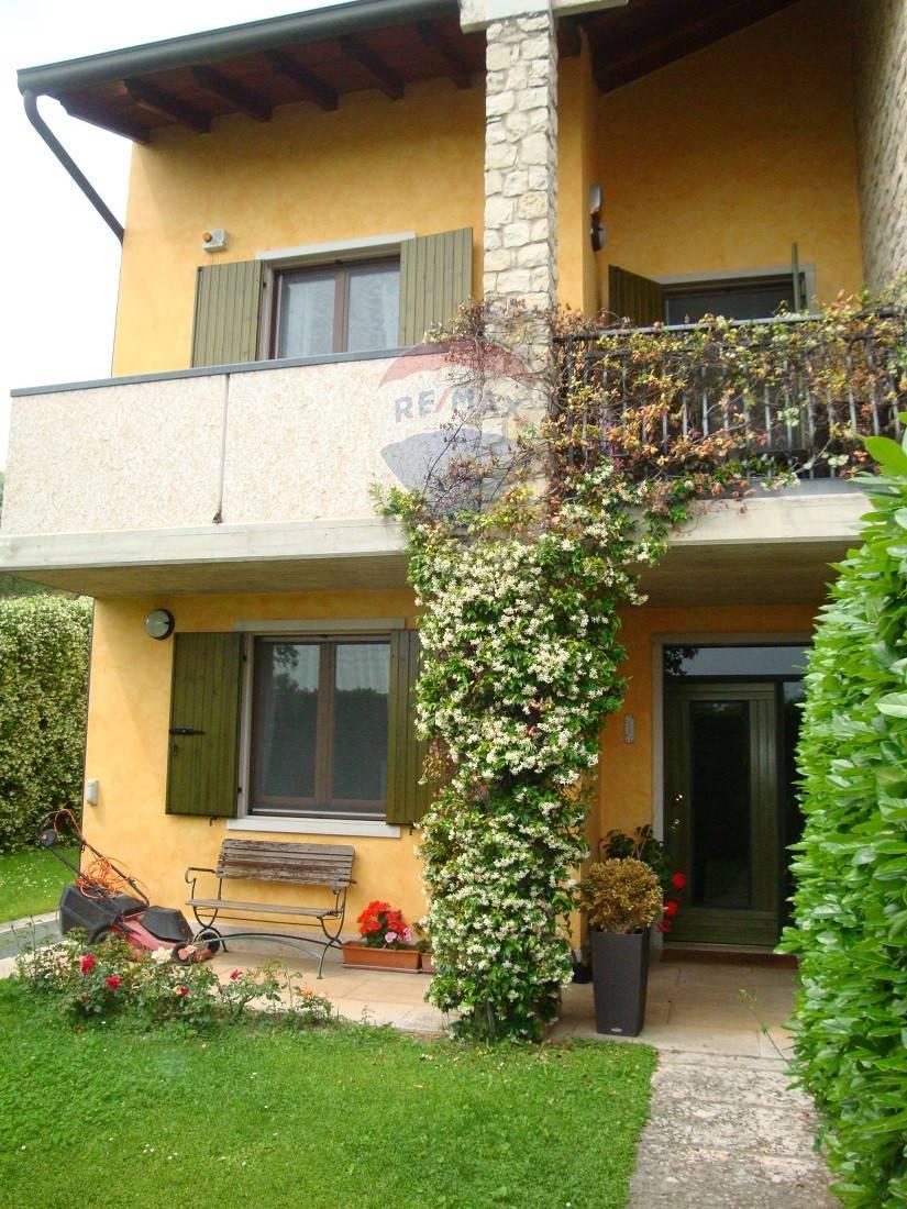 Villa a Schiera in vendita a Sant'Ambrogio di Valpolicella, 8 locali, zona Zona: Gargagnago, prezzo € 425.000   CambioCasa.it