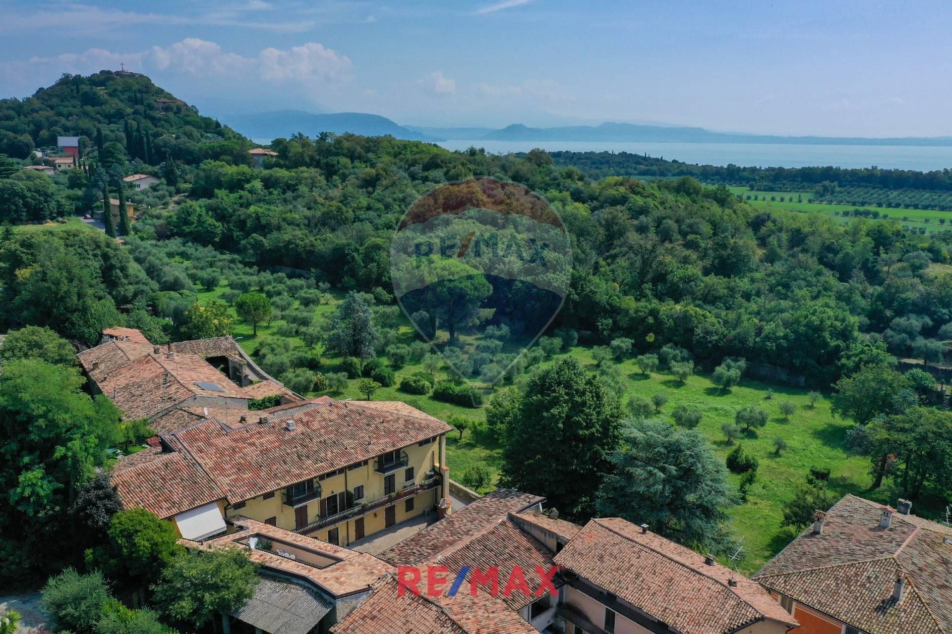 Appartamento in vendita a Manerba del Garda, 3 locali, zona Zona: Montinelle, prezzo € 199.000 | CambioCasa.it