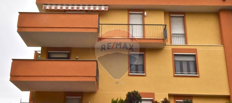 APPARTAMENTO in Vendita a Villa Cortese (MILANO)