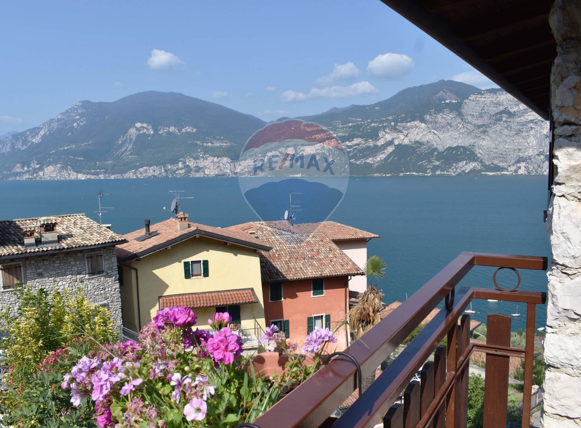 Appartamento in vendita a Brenzone, 3 locali, prezzo € 260.000   CambioCasa.it