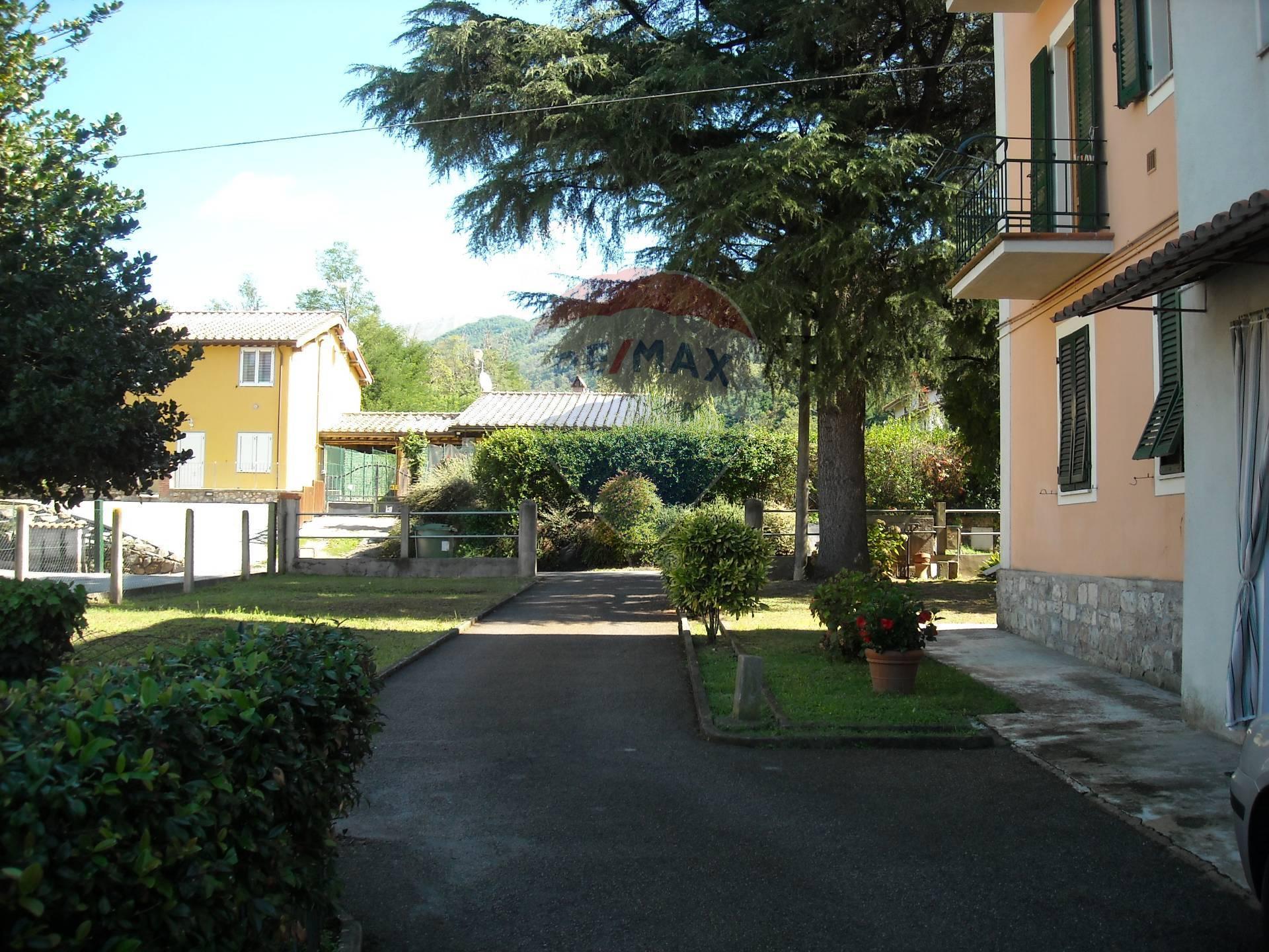 Appartamento in vendita a Barga, 6 locali, prezzo € 95.000 | CambioCasa.it