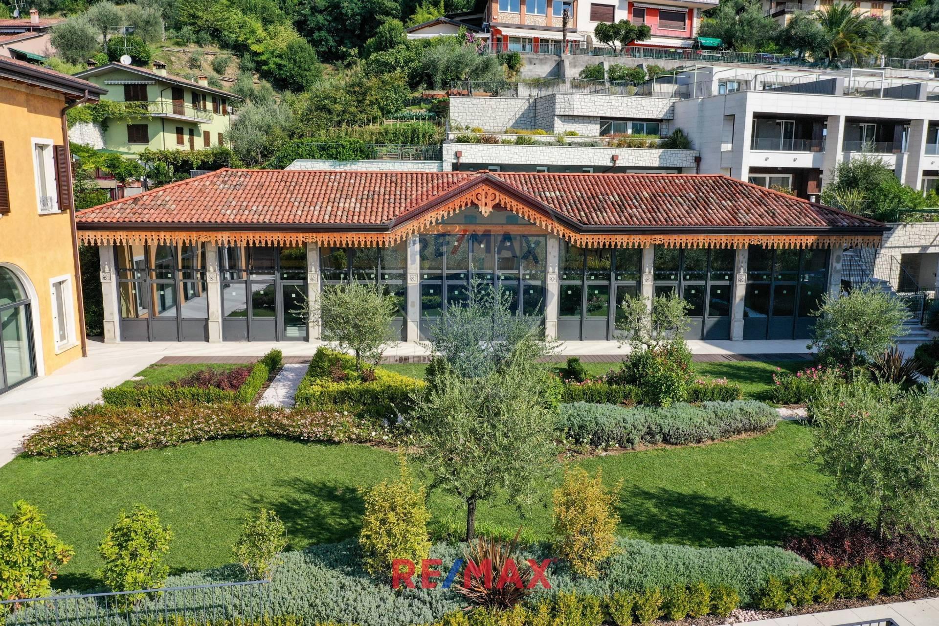 Appartamento in vendita a Salò, 3 locali, prezzo € 340.000 | CambioCasa.it