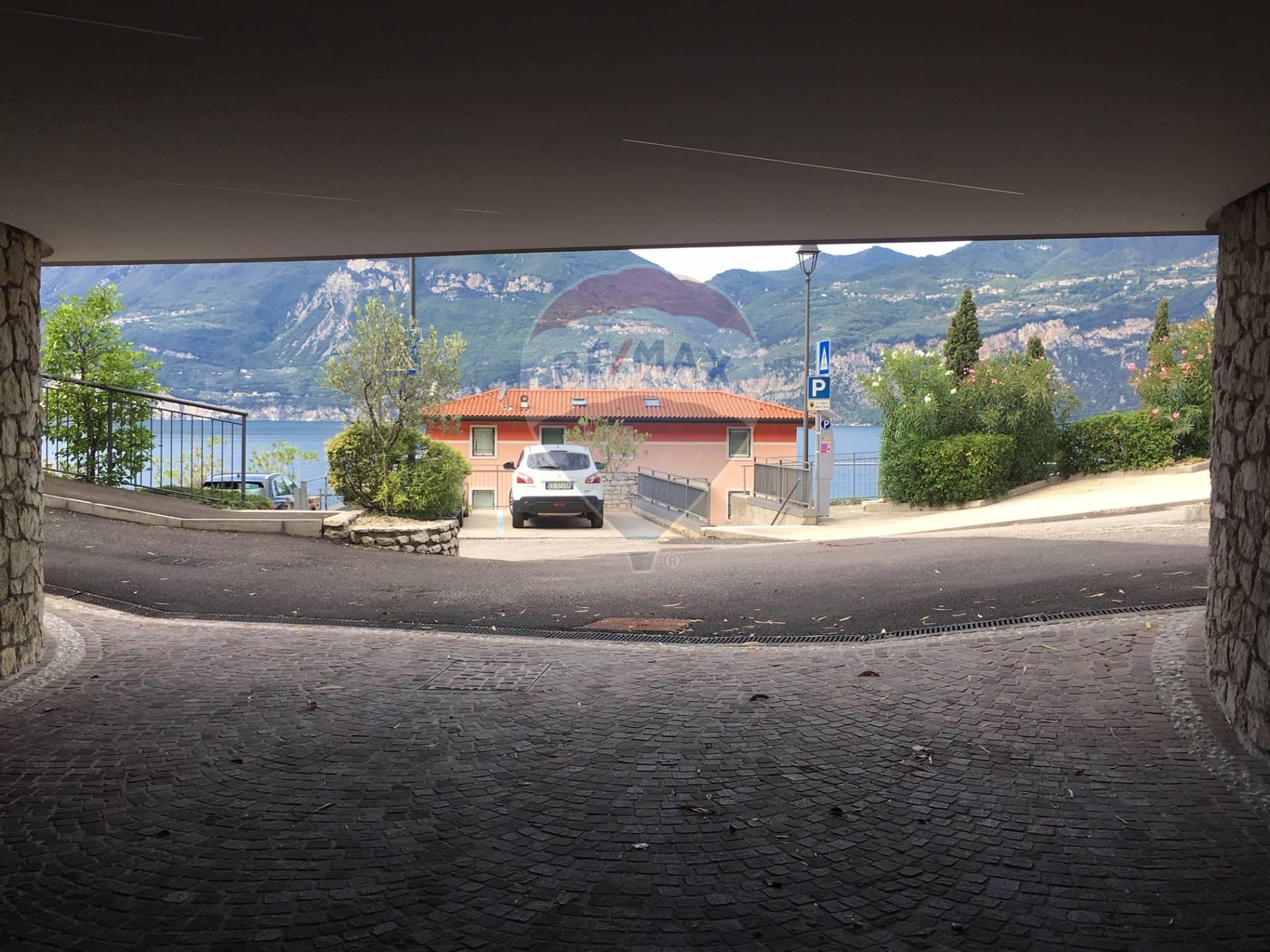 Box / Garage in Vendita a Brenzone