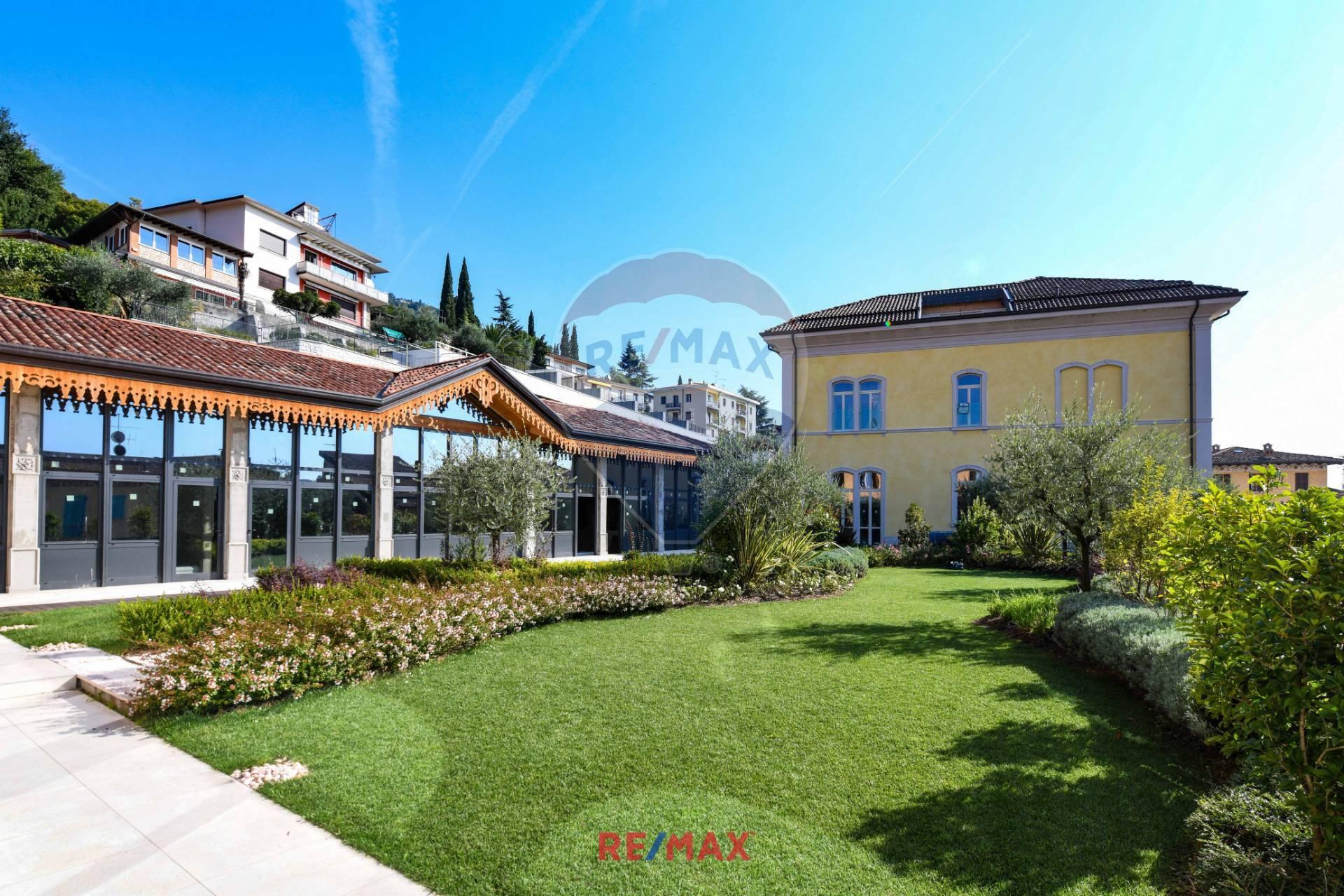 Appartamento in vendita a Salò, 4 locali, prezzo € 575.000 | CambioCasa.it