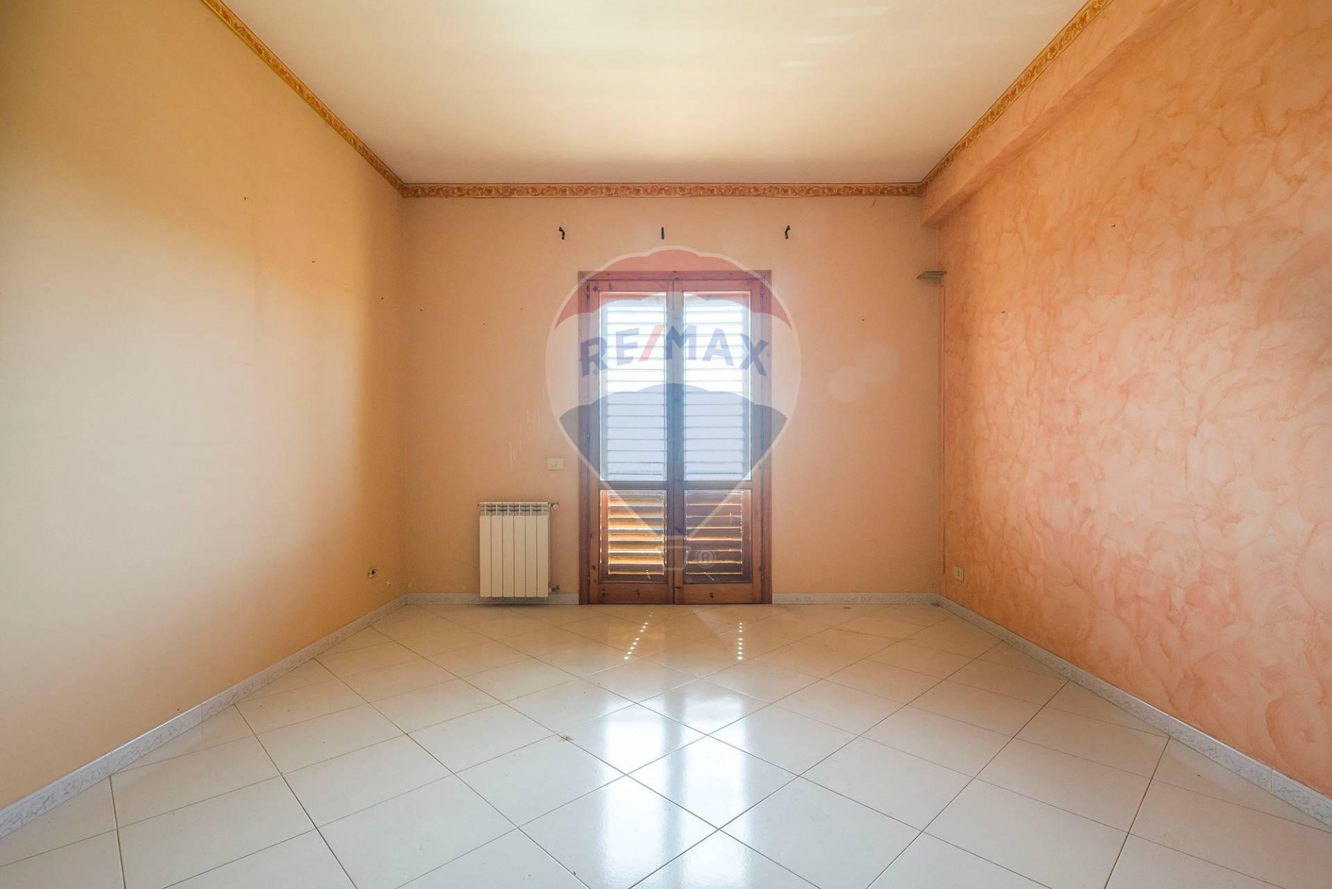 nicolosi vendita quart:  re/max city home