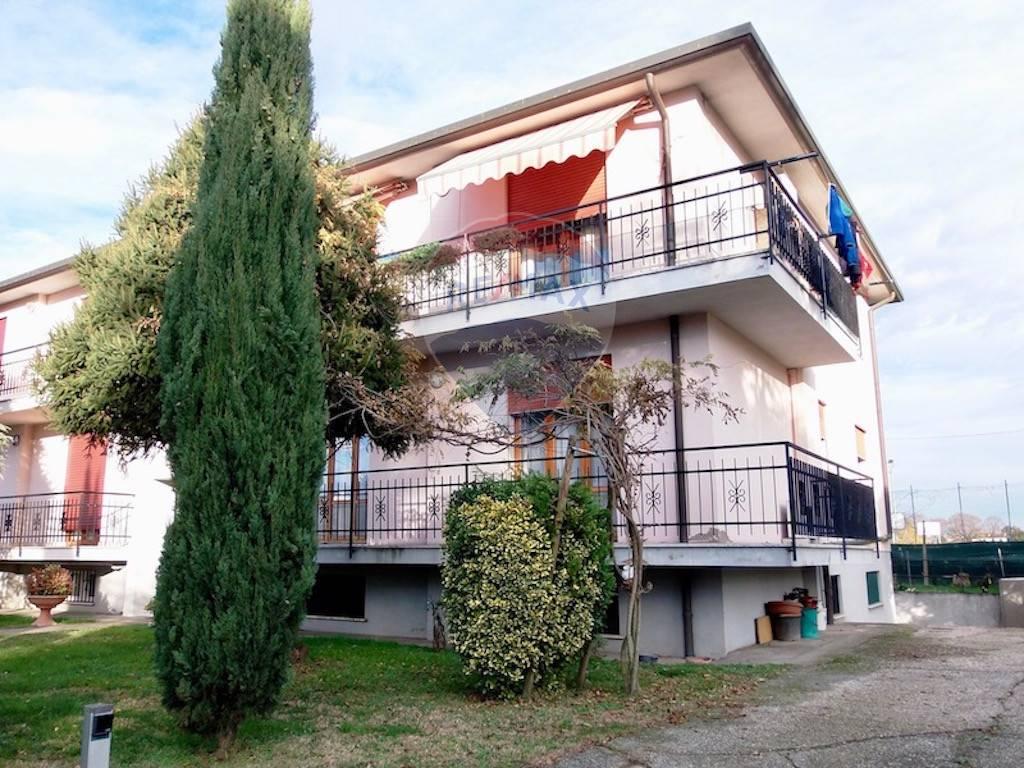 Appartamento in vendita a Ospedaletto Euganeo, 6 locali, prezzo € 91.500 | CambioCasa.it