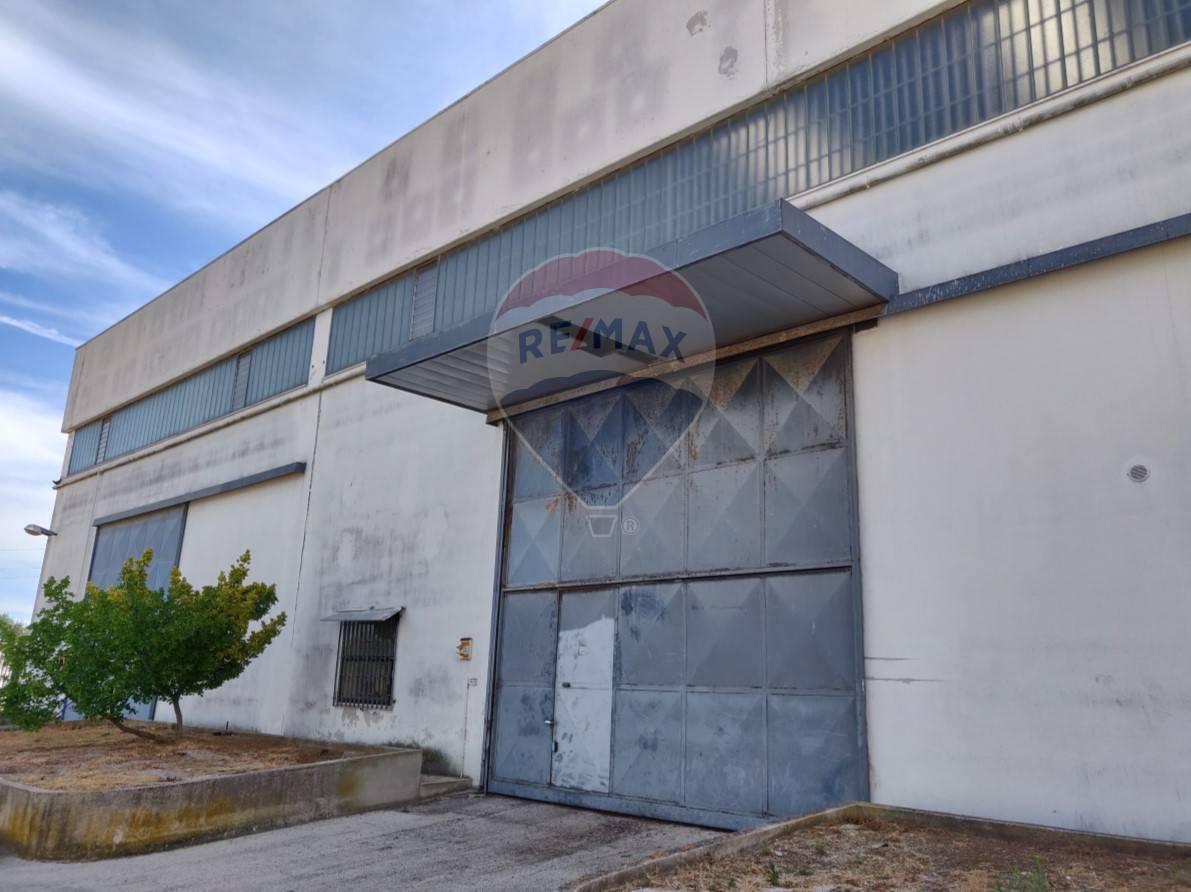 Aziende Modugno Zona Industriale capannone commerciale a modugno (ba). commerciale a modugno
