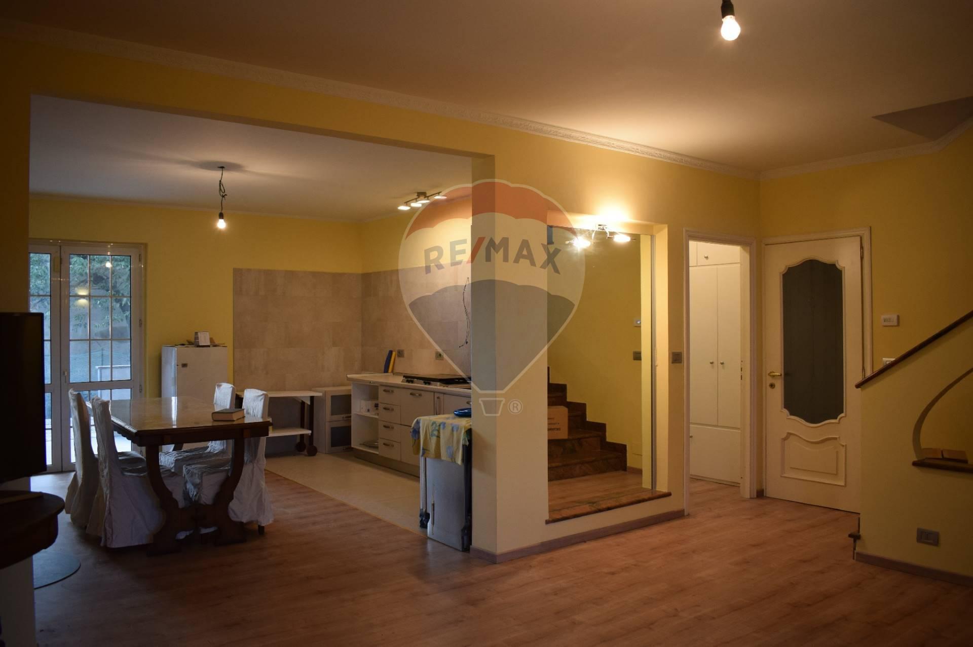 Casa Indipendente in vendita Barriera Di Milano Falchera Barca-bertolla-via lauro rossi Rivalta di Torino