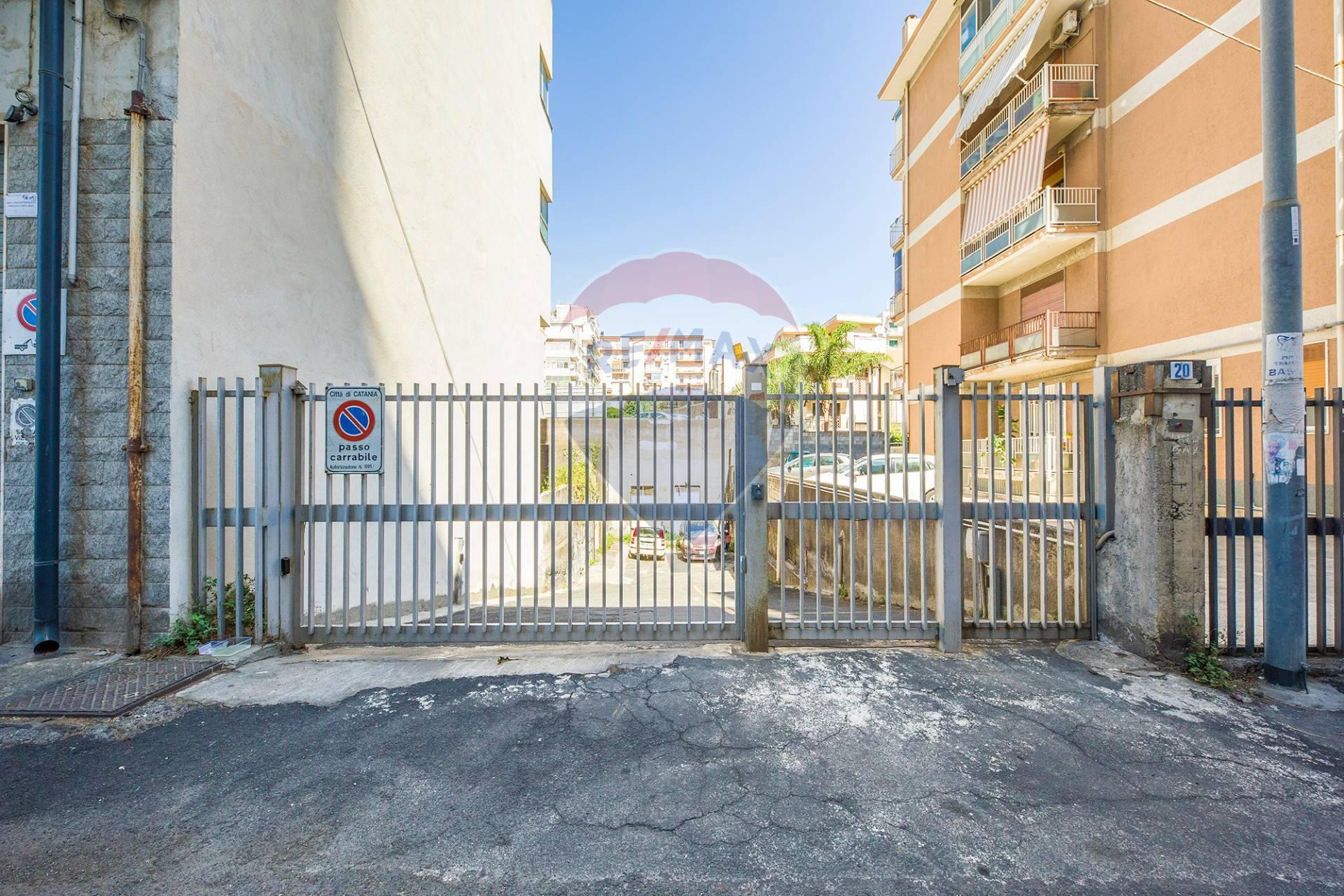 catania vendita quart:  re-max-city-home