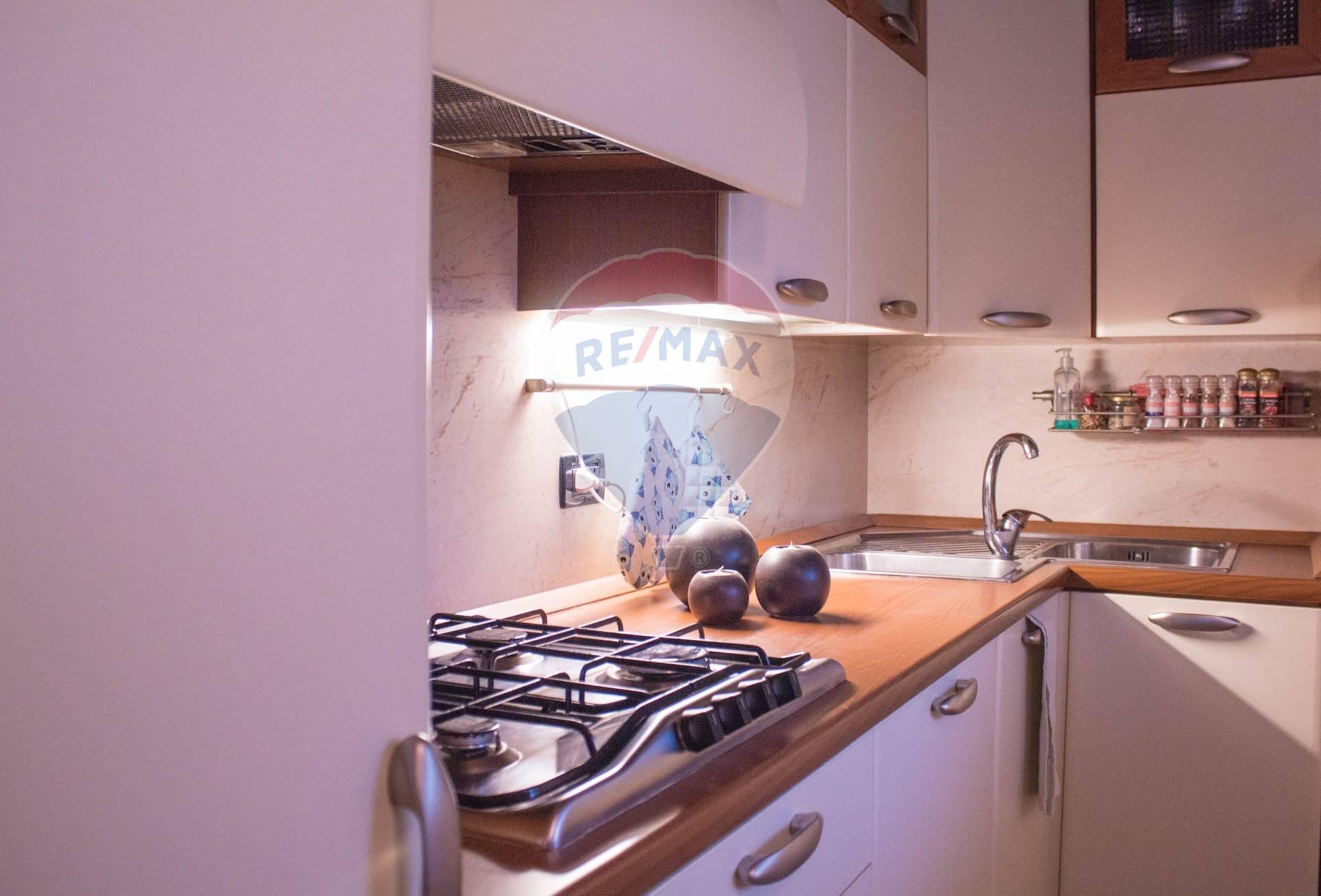 Appartamento in vendita a Manerba del Garda, 3 locali, zona Località: Solarolo, prezzo € 199.000 | CambioCasa.it