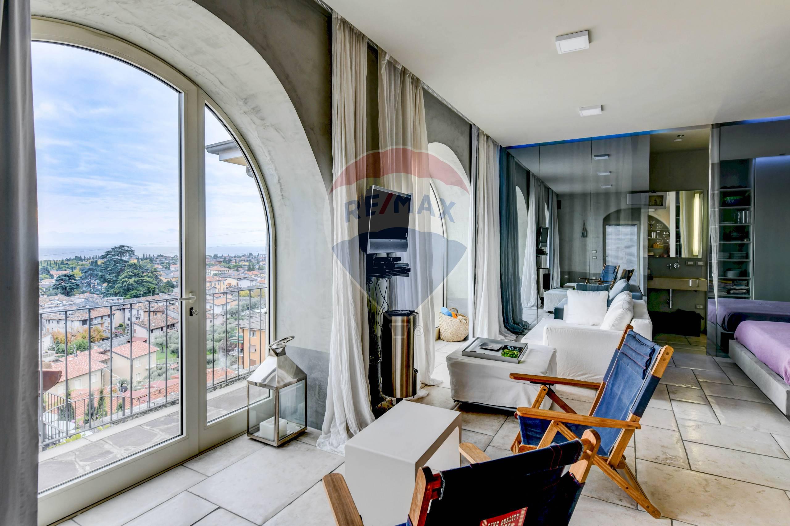 Appartamento in vendita a Toscolano-Maderno, 2 locali, prezzo € 260.000 | CambioCasa.it