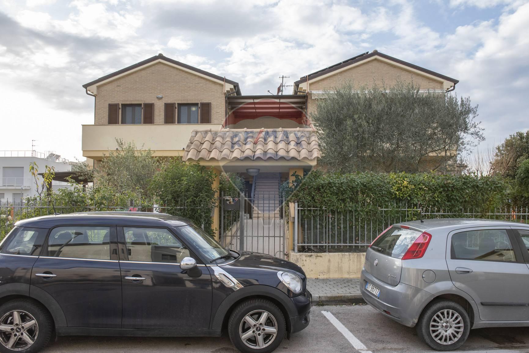 Appartamento in vendita a Loreto, 3 locali, zona Località: LoretoStazione, prezzo € 179.000 | CambioCasa.it