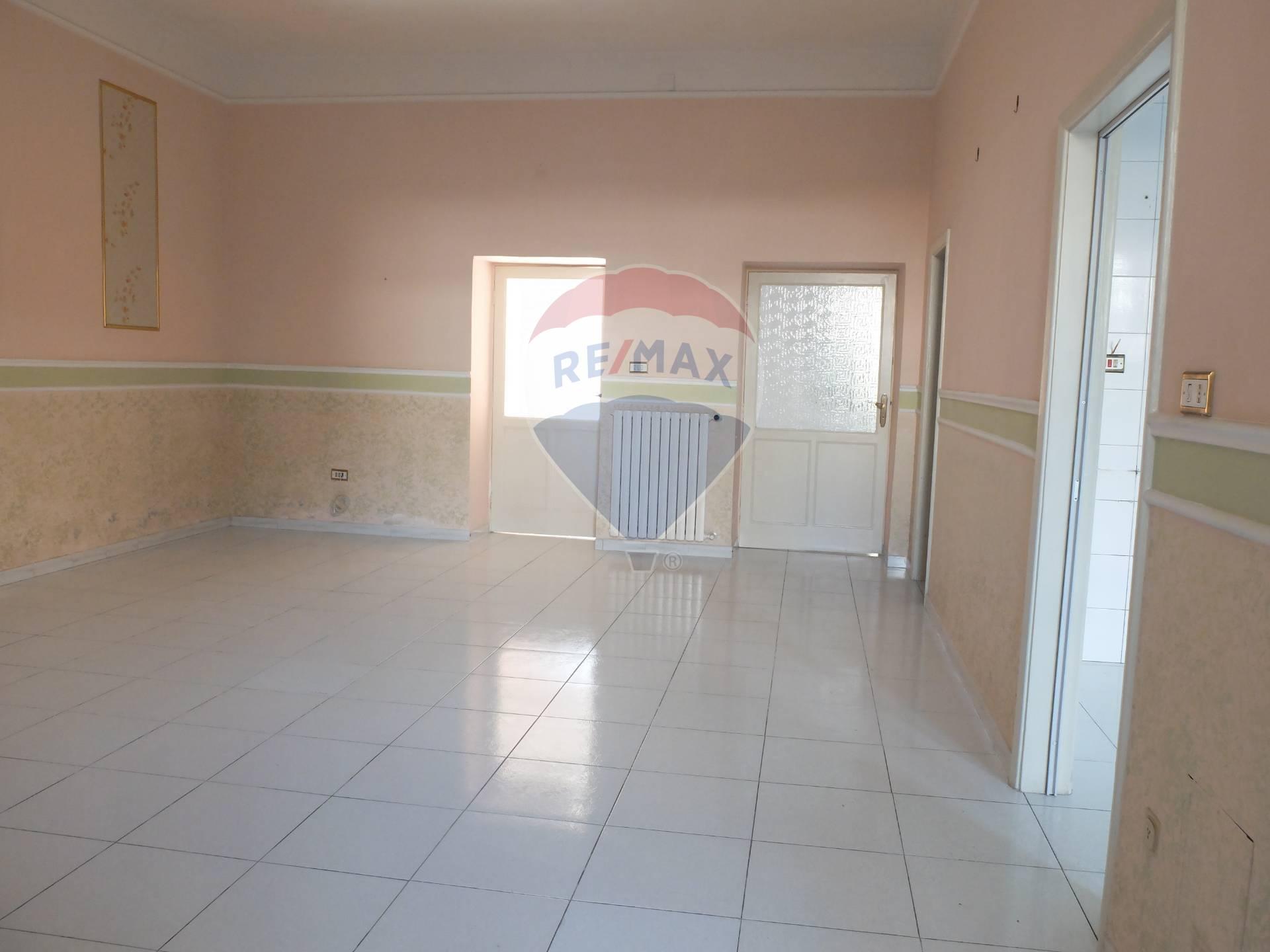 Appartamento in vendita a Casapulla, 3 locali, prezzo € 87.000 | CambioCasa.it
