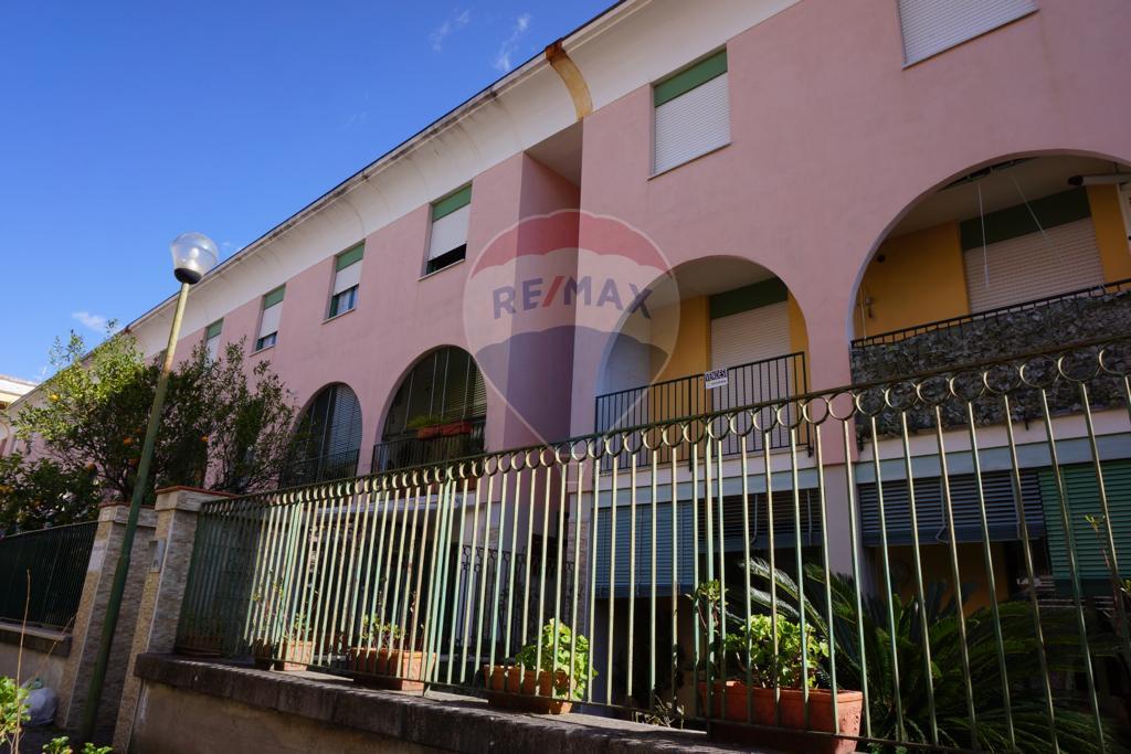 Appartamento, 90 Mq, Vendita - Salerno (Salerno)