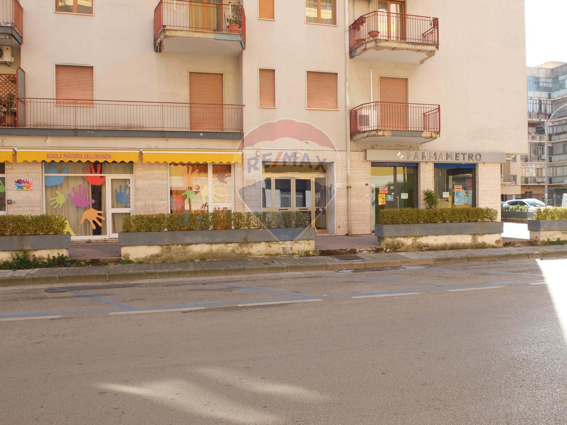 Appartamento in vendita Centro-- PIAZZA PITESTI - VIA DE FRANCISCIS Caserta