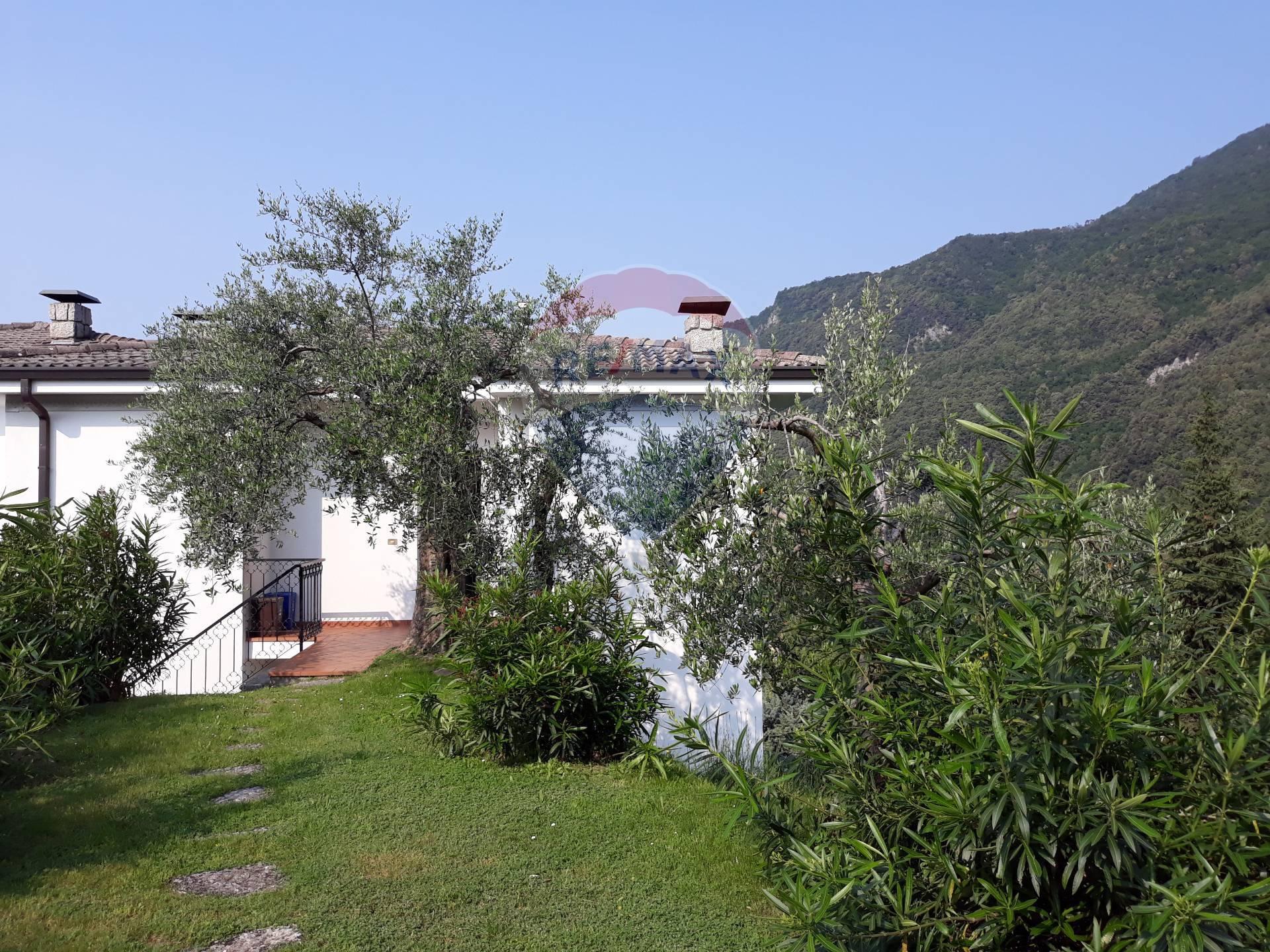 Appartamento in vendita a Toscolano-Maderno, 3 locali, zona Località: MonteMaderno, prezzo € 220.000 | CambioCasa.it