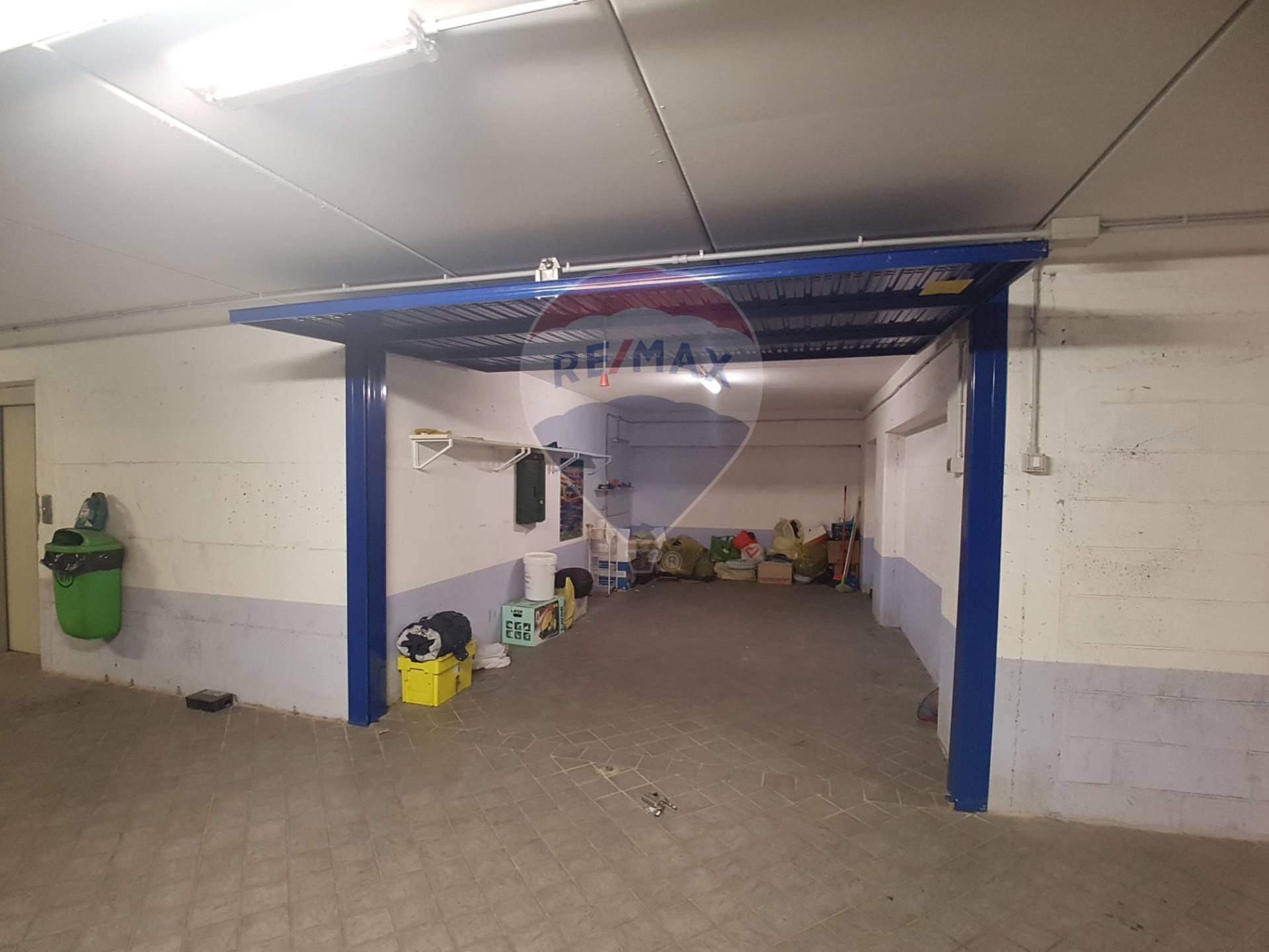 GARAGE/BOX/POSTO AUTO in Vendita a S. Fruttuoso, Genova (GENOVA)