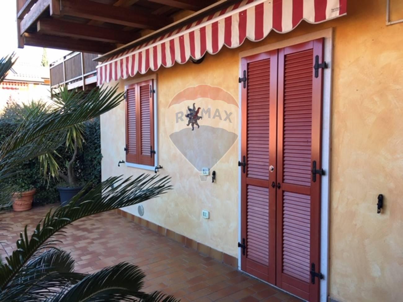 Appartamento in vendita a Brenzone, 3 locali, prezzo € 280.000   CambioCasa.it