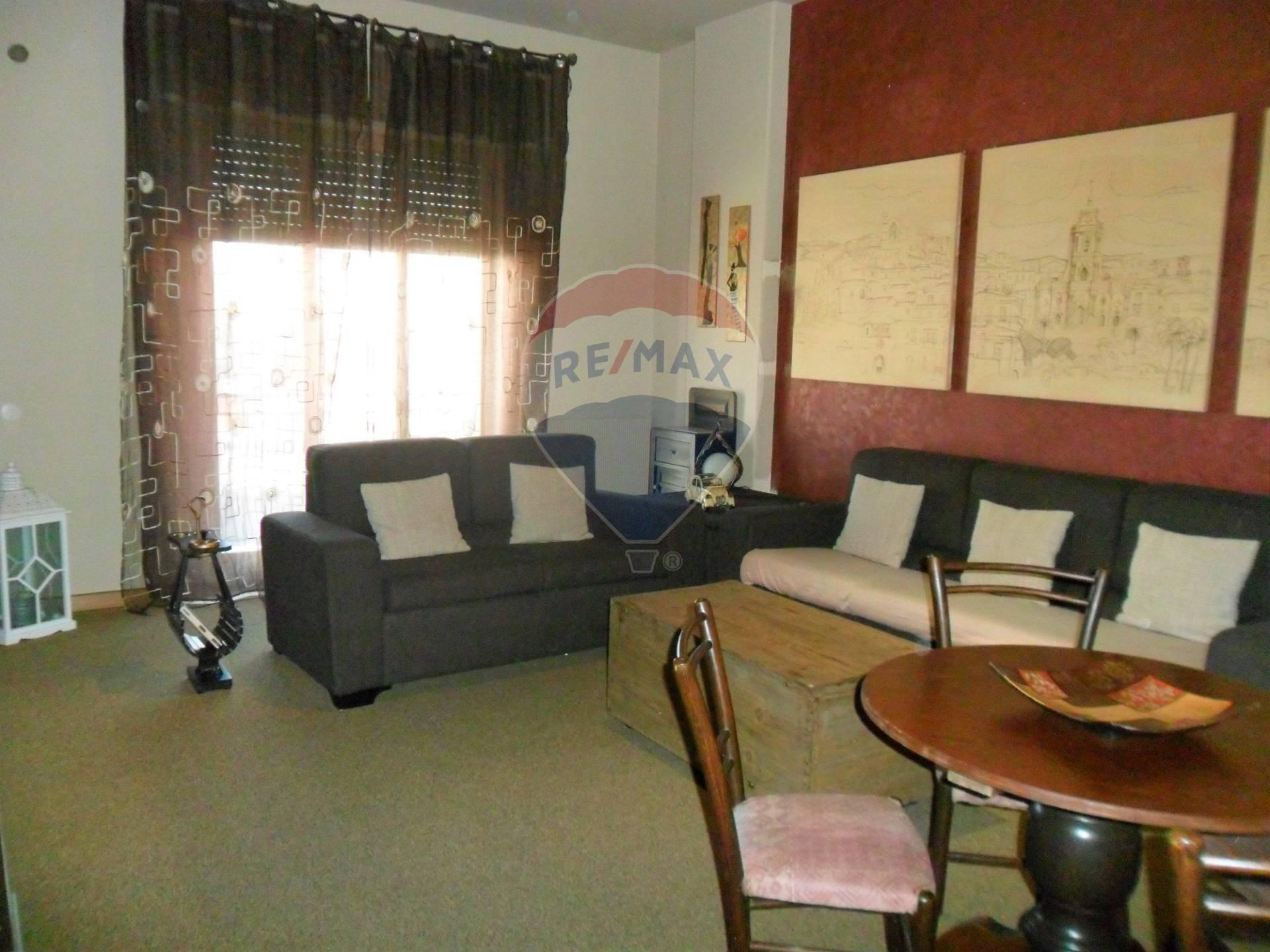 Appartamento in vendita a Modica, 6 locali, zona Località: ModicaAlta, prezzo € 87.000   CambioCasa.it