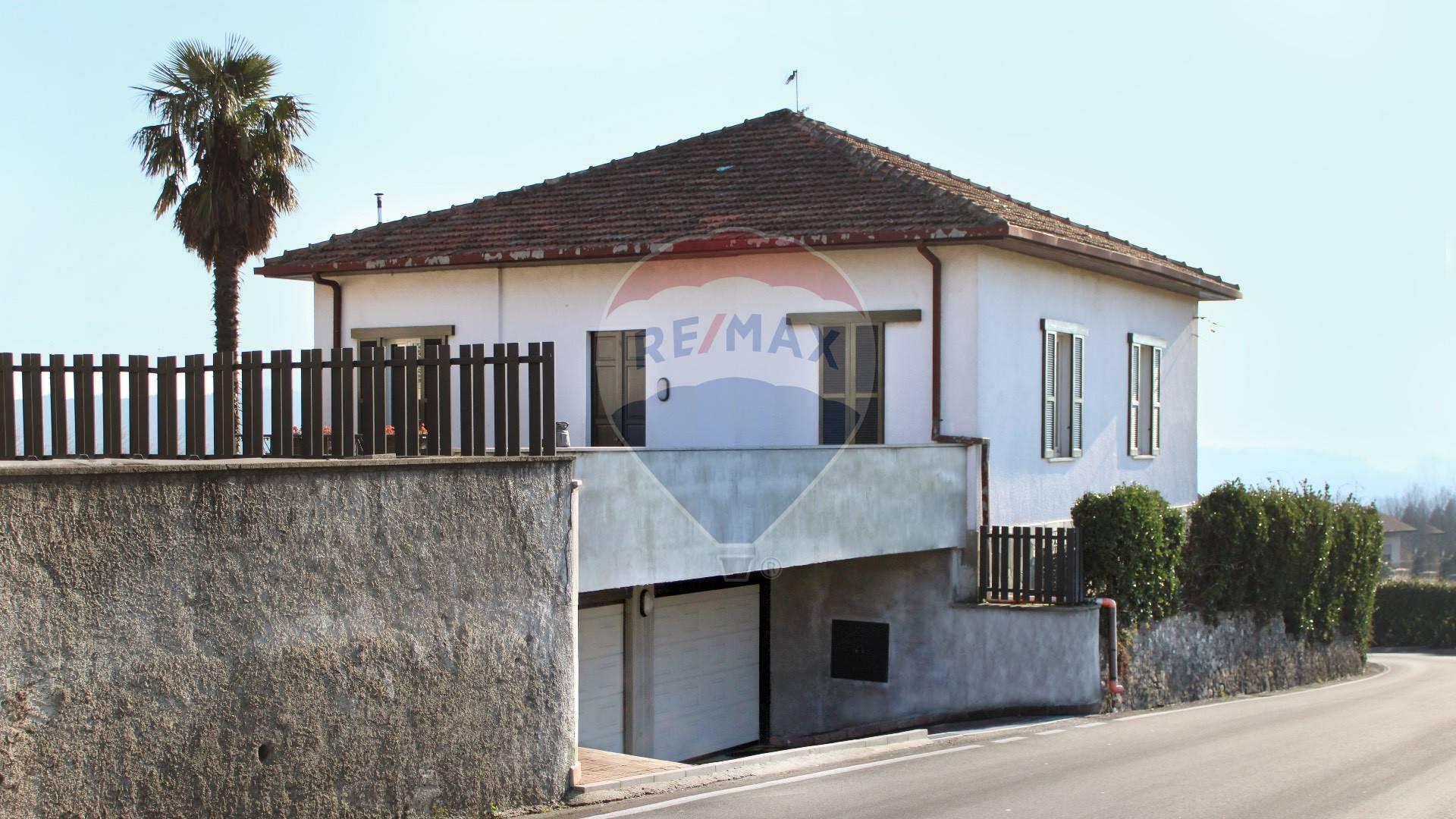 Soluzione Indipendente in vendita a Clivio, 5 locali, prezzo € 400.000 | CambioCasa.it