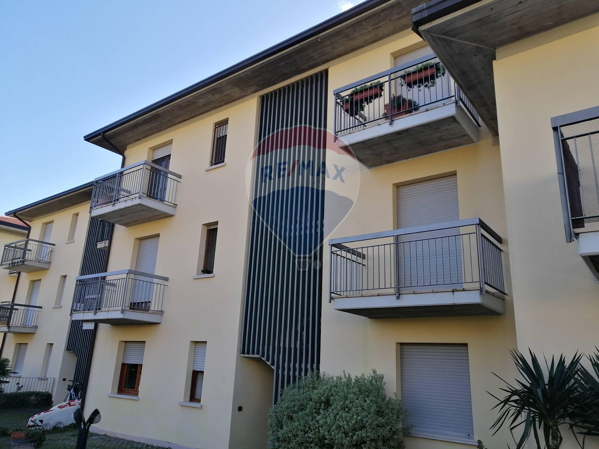Appartamento in vendita a Toscolano-Maderno, 3 locali, zona Zona: Maderno, prezzo € 260.000 | CambioCasa.it