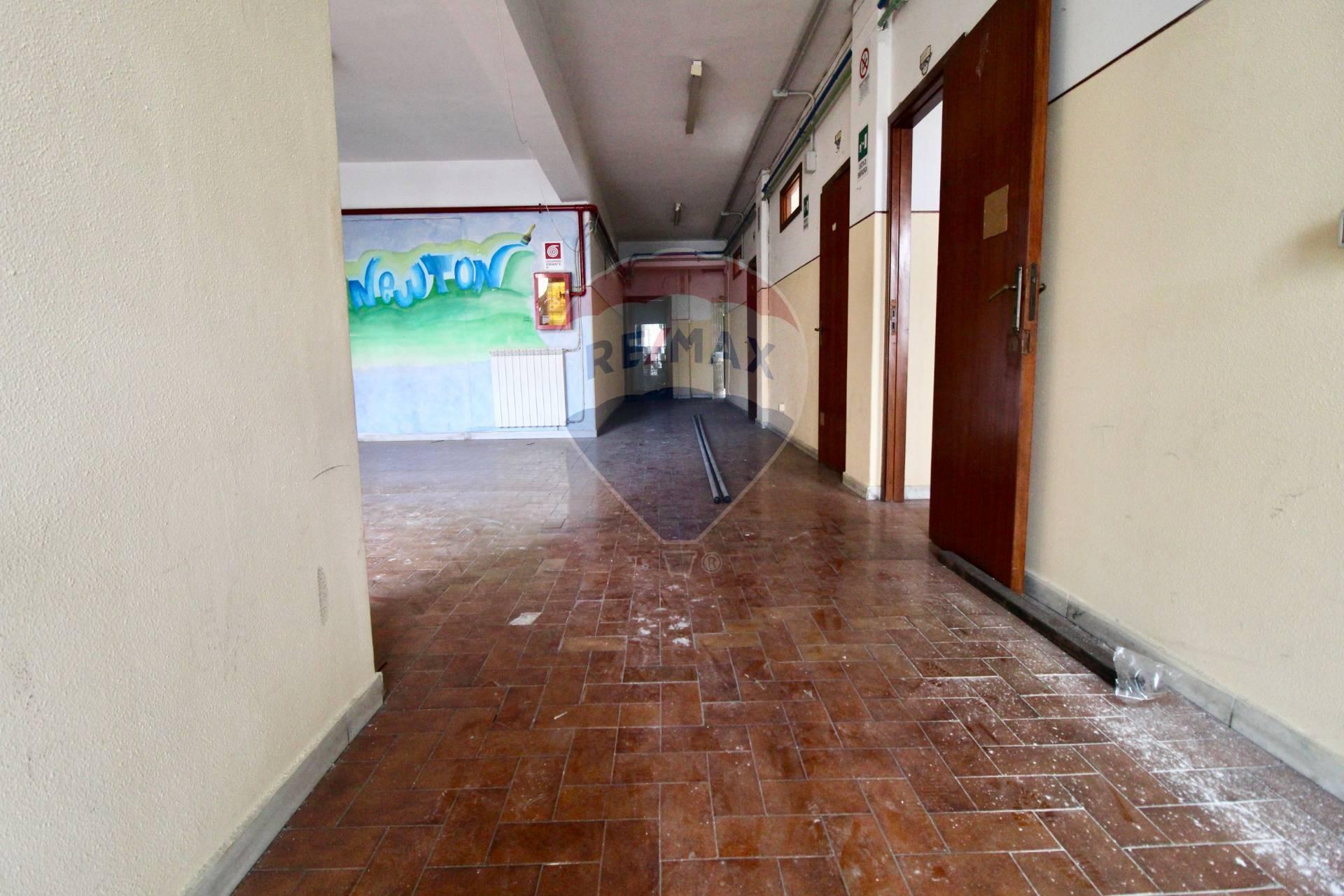 Negozio / Locale in affitto a San Giovanni la Punta, 9999 locali, prezzo € 900 | CambioCasa.it