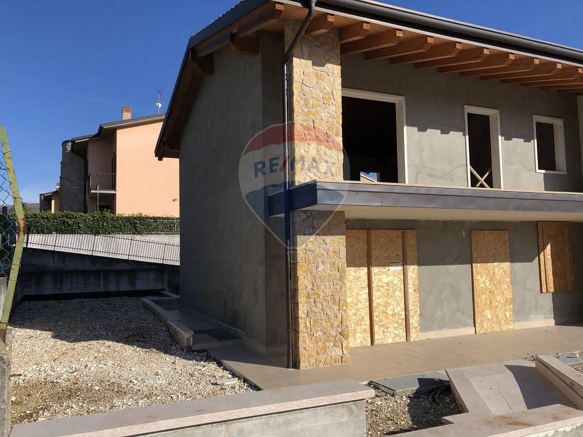 Villa a Schiera in vendita a Grezzana, 7 locali, prezzo € 330.000 | CambioCasa.it