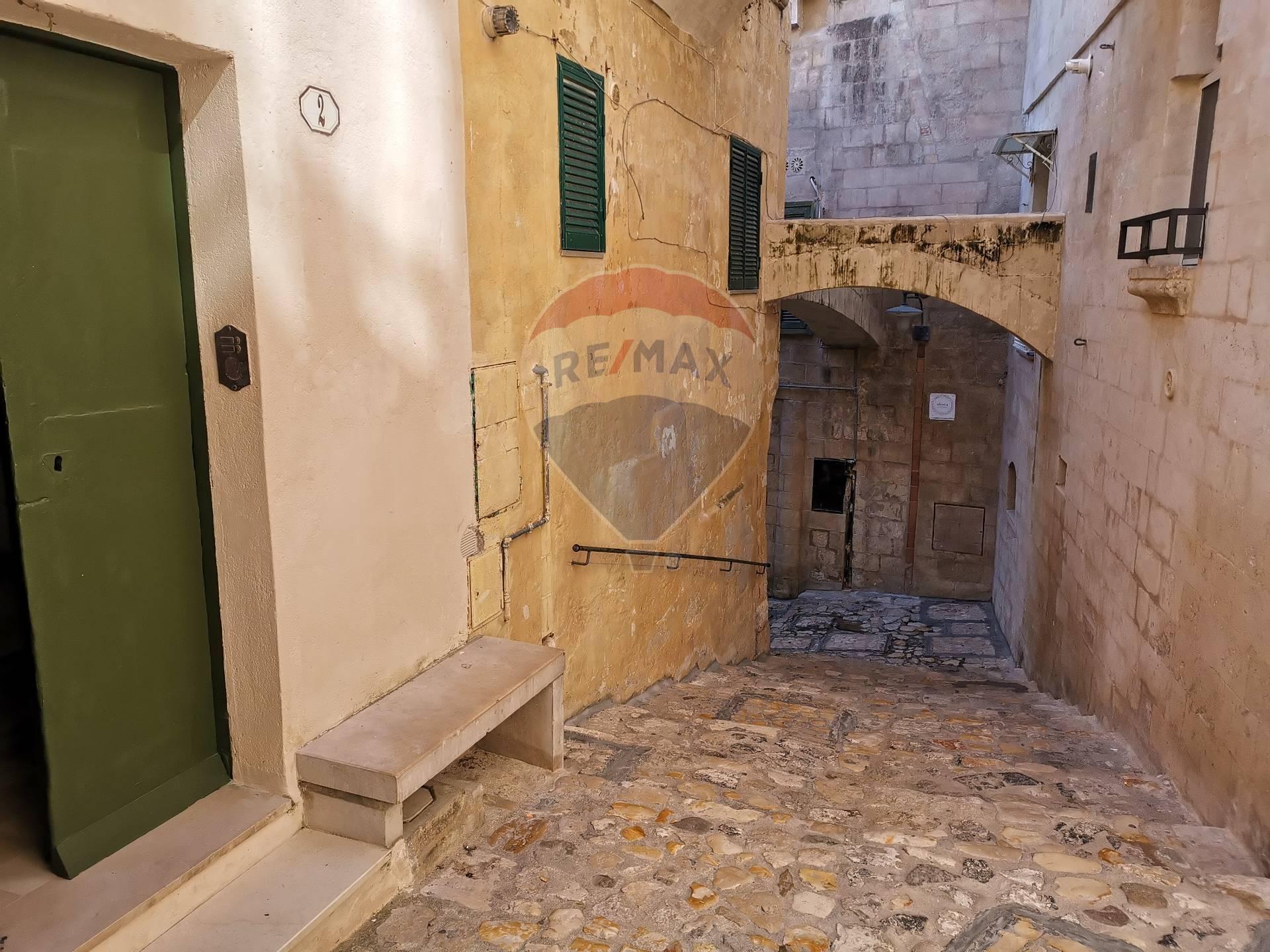 Appartamento in vendita a Matera, 2 locali, zona Località: Centrostorico, prezzo € 130.000 | CambioCasa.it